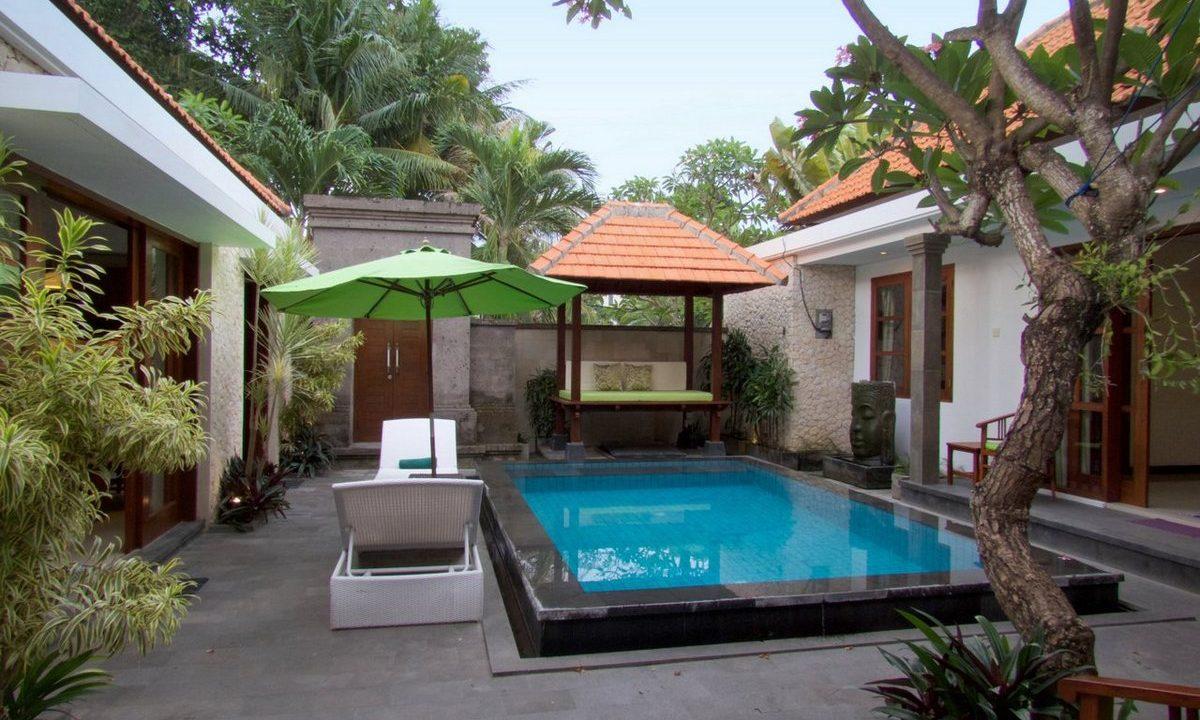 bali-sanur-beach-villas-pool-back-3