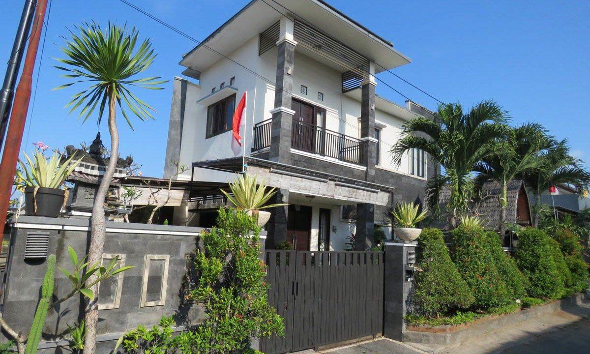 4-br-house-for-sale-nusa-dua-01