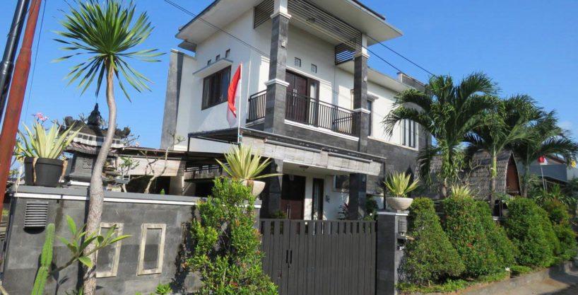 Дом с 4-мя спальнями в Нуса Дуа - 01