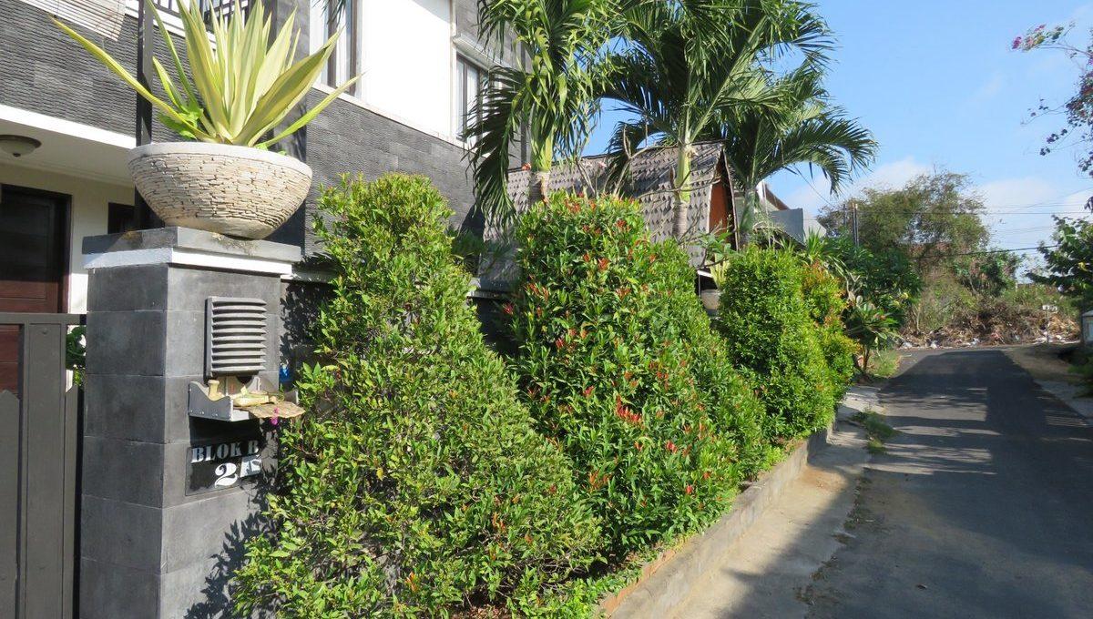 4-br-house-for-sale-nusa-dua-04