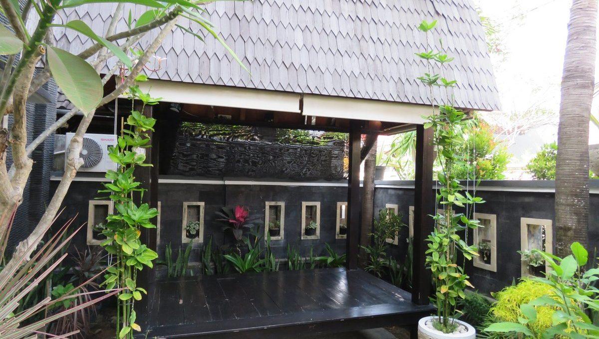 4-br-house-for-sale-nusa-dua-07