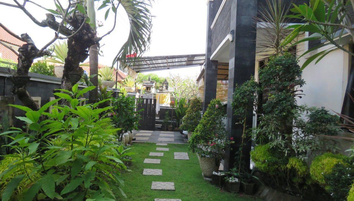 4-br-house-for-sale-nusa-dua-08