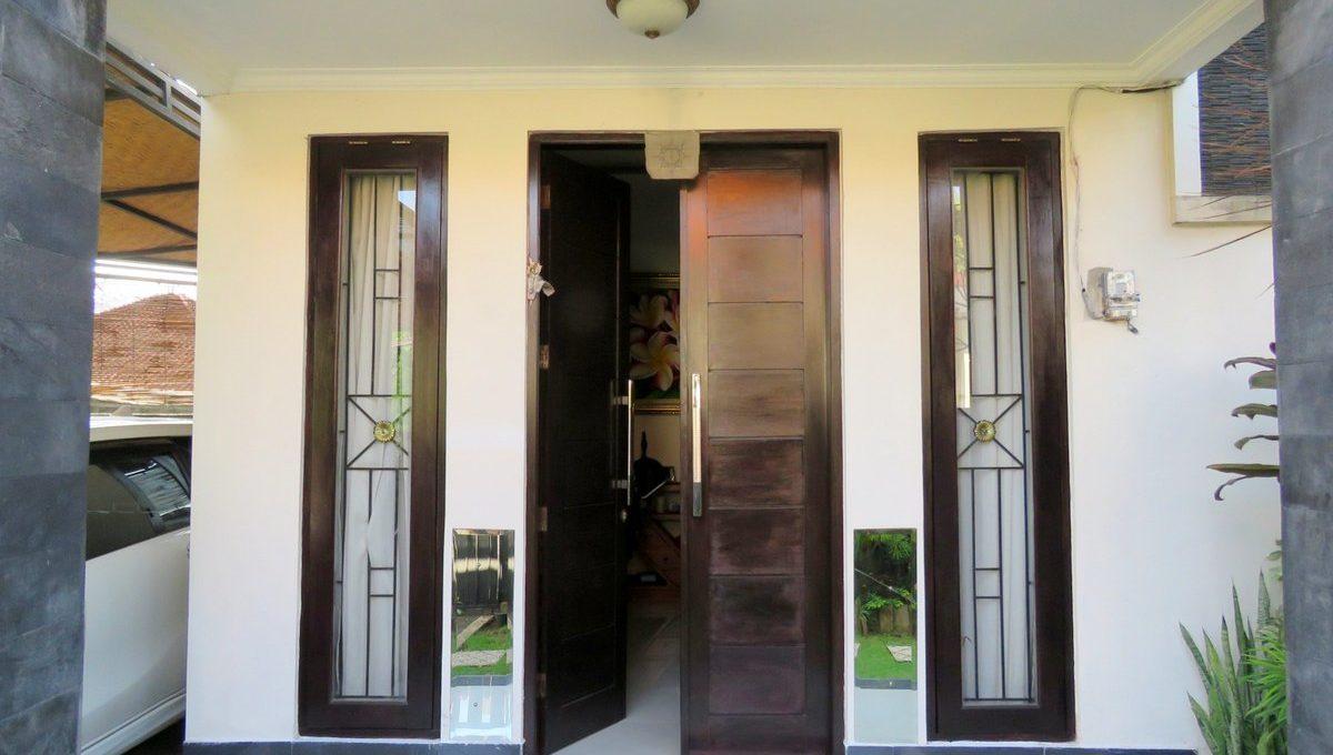 4-br-house-for-sale-nusa-dua-10