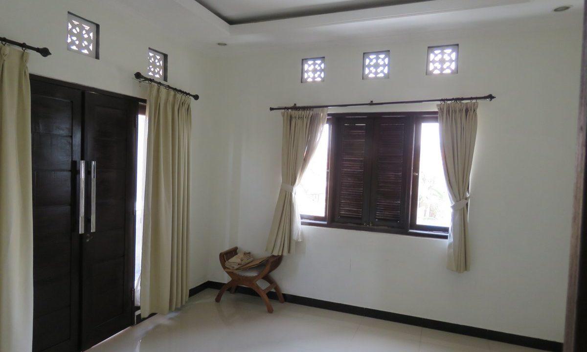 4-br-house-for-sale-nusa-dua-29