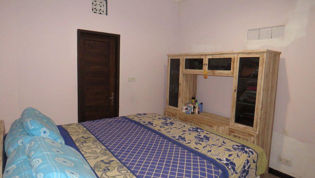 4-br-house-for-sale-nusa-dua-35