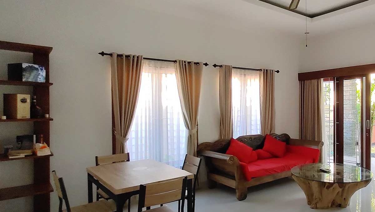 bukit-villa-for-sale-livingroom