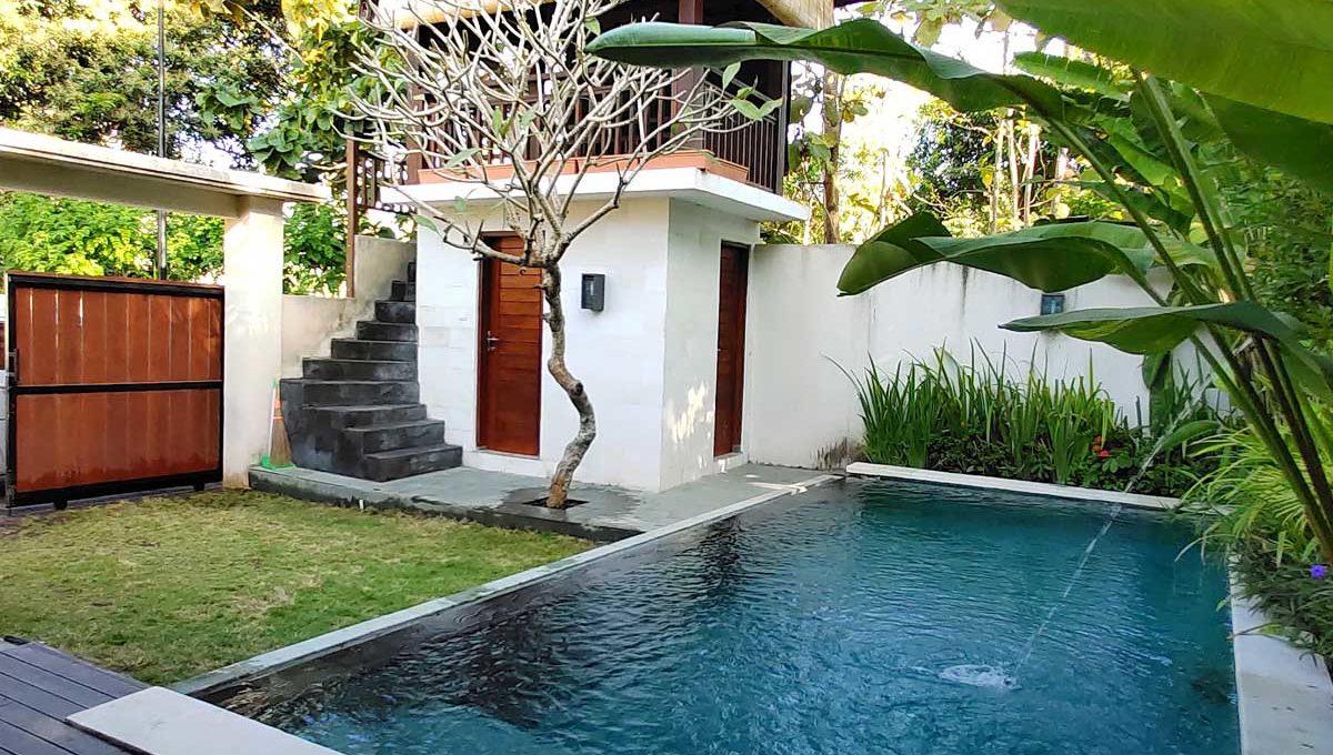 bukit-villa-for-sale-pool 1