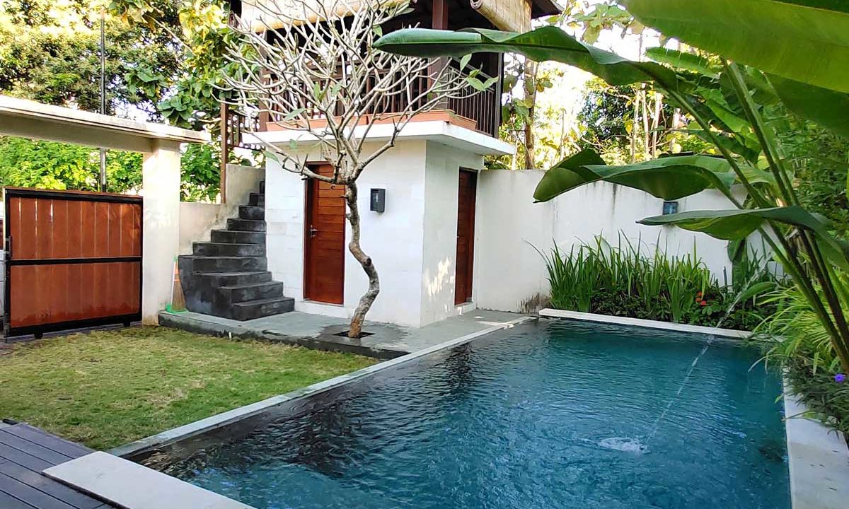 bukit-villa-for-sale-pool 1
