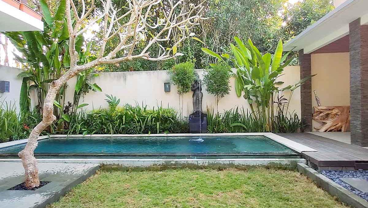 bukit-villa-for-sale-pool