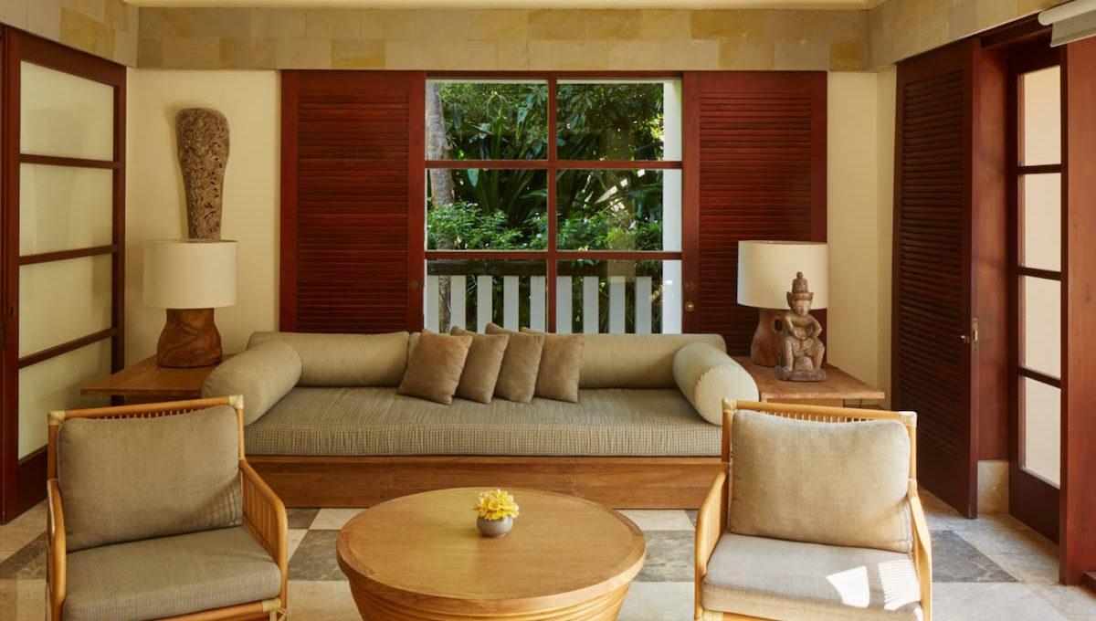 aman_villa_master_bedroom_bedroom_office