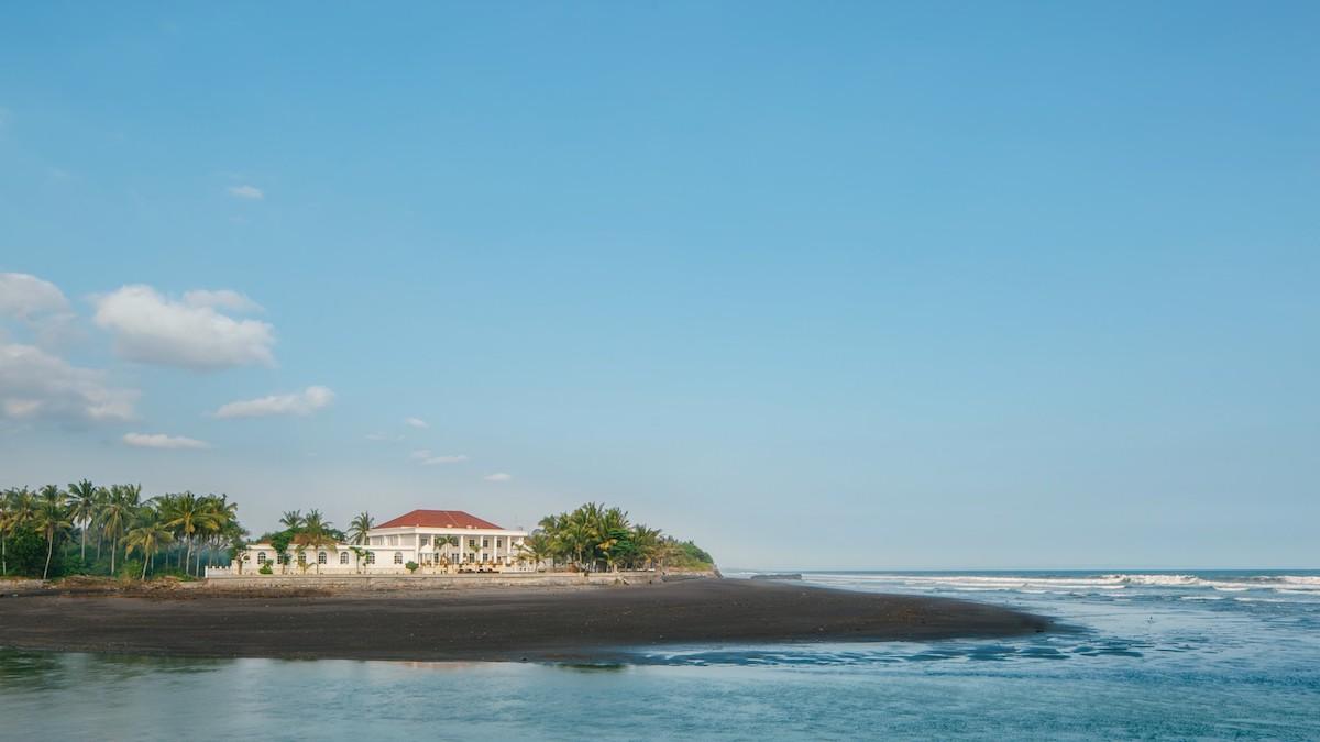 Beachfront-villa-Tabanan33