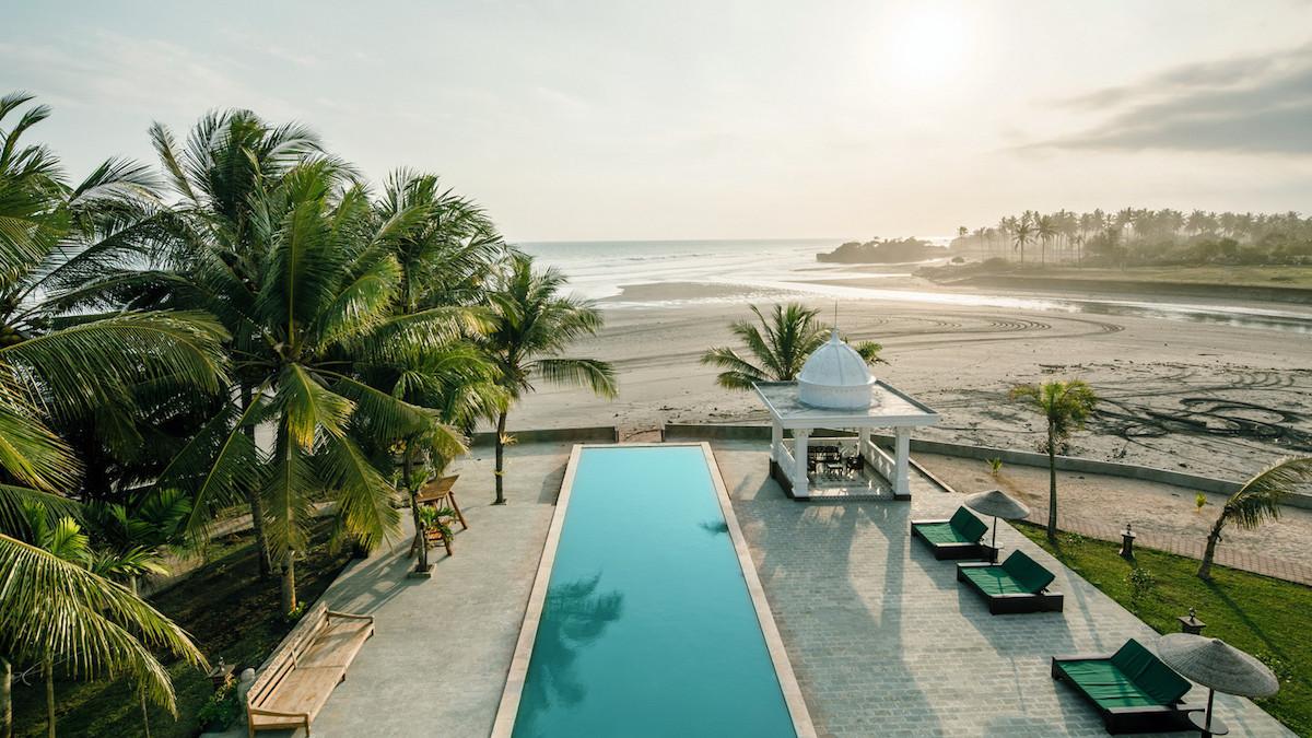 Beachfront-villa-Tabanan36