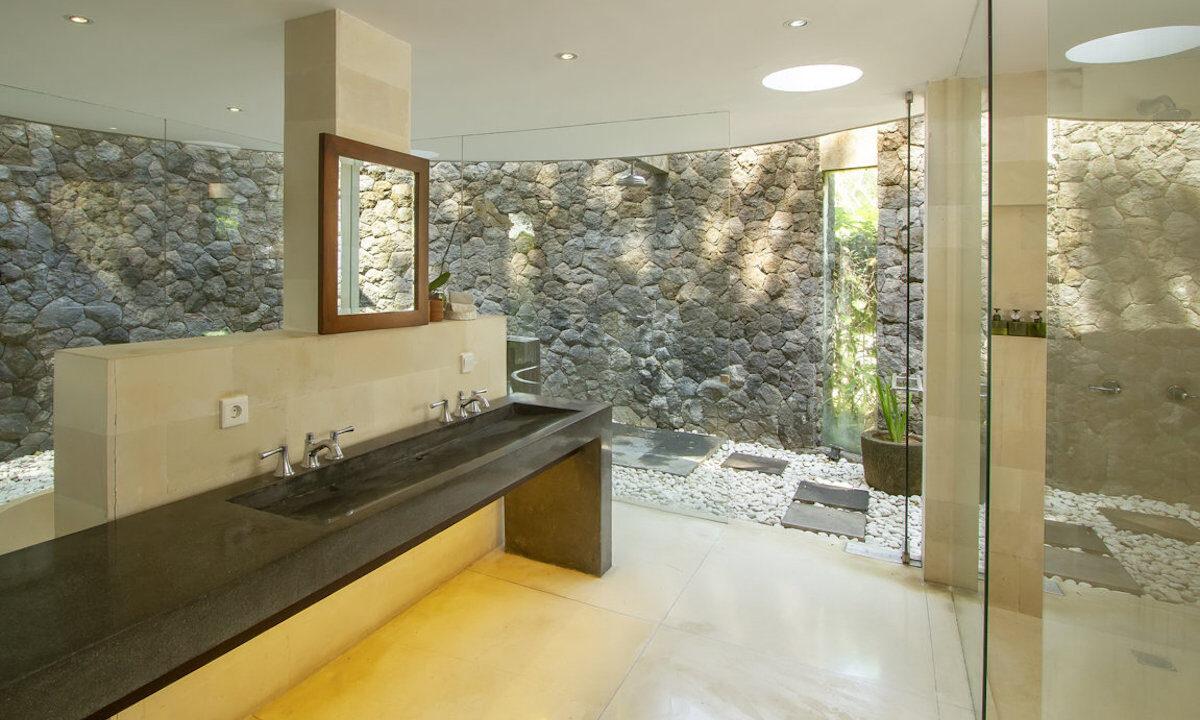 Mengwi-Bathroom-01